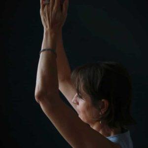 Main jointe yoga - Un retour à soi